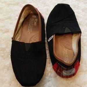 TOMS Black Plaid Heel Flats Sz 6.5